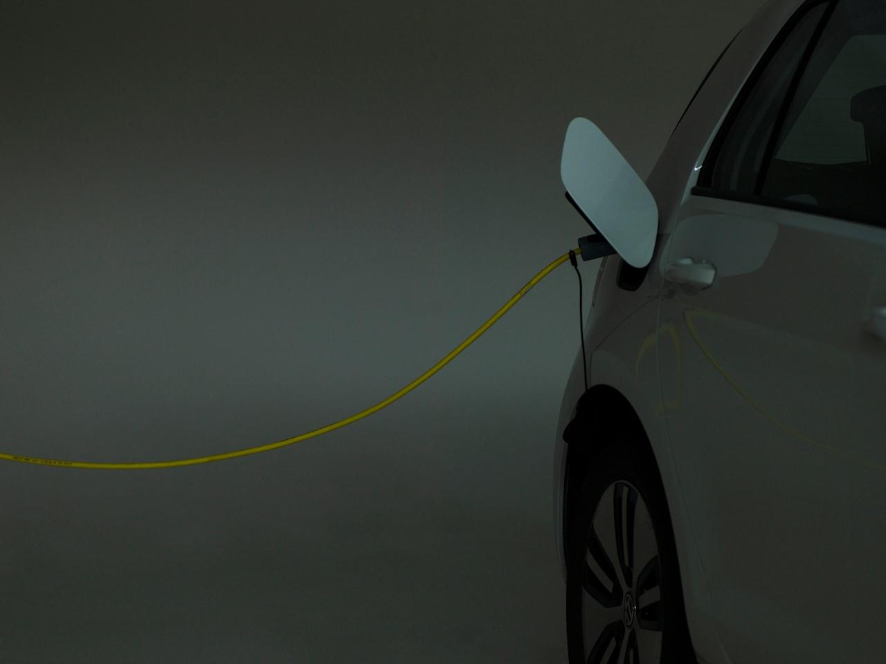 sähköauton lataus.jpg